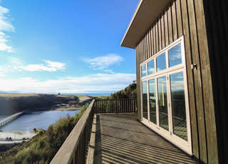 Taieri Mouth's Secluded Sanctuary